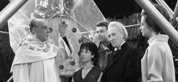 The First Doctor is sent on a quest to reunite a seperated bunch of keys.